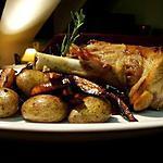 recette Souris d'agneau rôtie au romarin, pommes de terre & carottes violettes