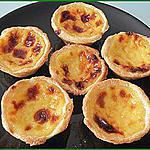 Pasteis de nata ou Pasteis de belem (petits flans aromatisés au citron Portugais)