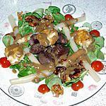 Salade De Mâche Au Gésier De Canard,Fromage De Chèvre Pané Et Noix Caramélisée