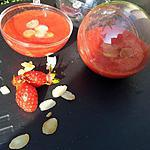 Coulis de fraise parfumé au amandes