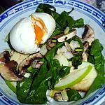 recette Salade de pousses d'épinards et oeuf mollet