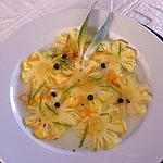 Carpaccio d'ananas sirop au citron vert aux poivres de Tasmanie