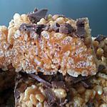 recette squares  ( rice krispies) au caramel beurre salé maison et copeaux de chocolat au lait
