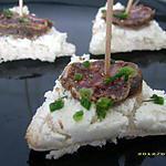recette canapés au carré frais et rondelles de figatelli (apéro entres amis)