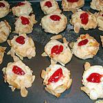 recette Biscuits aux amandes et cerises confites