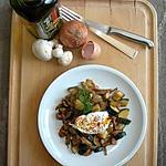 recette Poêlée de courgettes et champignons, surmontée de son œuf poché