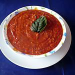 Sauce tomate au gruyère râpé