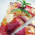 Tarte fine aux nectarines blanches et framboises