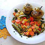 recette Petits poivrons ronds farcis sur lit de petits légumes