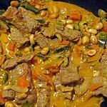 recette Boeuf au curry rouge et cacahuètes