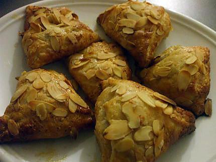 Recette de triangles feuillet s aux pommes caram lis es - Feuillete aux pommes caramelisees ...