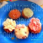 recette Mes cupcakes Héllo kitty et rose en pâte d'amandes