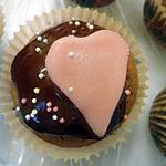 recette Cupcakes au chocolat et coeur de pâte d'amande