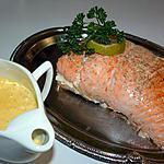 recette Rôti de saumon farci à la mousse de crabe et crevettes et sa sauce safranée