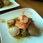recette St Jacques et saumon sur fondue de poireaux au curry.