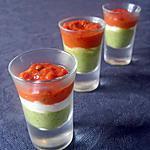 Verrines de purée de courgettes au basilic, fromage de chèvre et coulis de tomates confites