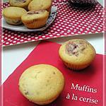 Muffins fourrés à la confiture de cerise
