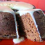 recette moelleux meringué au chocolat noir et pépites caramélisées, glaçage au galak