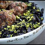 recette **Choux rouge braisé aux pistaches & boulettes de viande au pain d' épices **