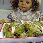 choux de bruxelle avec filets de poulet , jambon