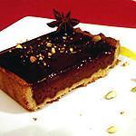 recette Tarte au chocolat épicé et pistache et son coulis de mangue anisé